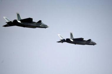 """Китай представил новый истребитель-""""стелс"""" Chengdu J-20"""