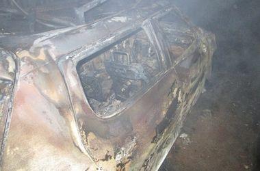 На Закарпатье женщине сожгли иномарку