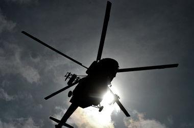 В Сочи на крышу частного дома упал вертолет
