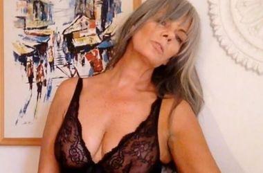 54-летняя модель удивила голым селфи