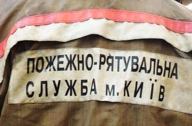 В Киеве спасатели приехали тушить пожар и нашли тело мужчины