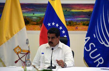 Парламент Венесуэлы приостановил разбирательство в отношении Мадуро