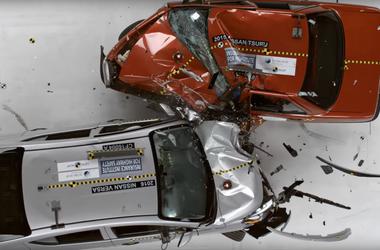 Видеошок: ужасный краш-тест, после которого машину снимают с производства