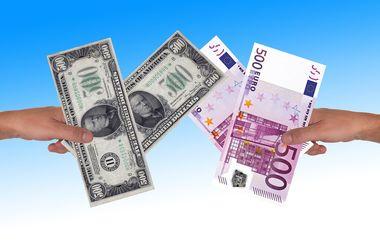 В Украине подскочили курсы доллара и евро