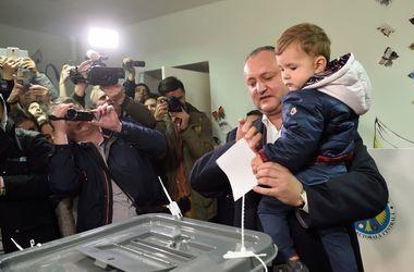 Пророссийский кандидат одержал победу в первом туре президентских выборов в Молдове