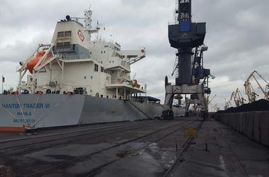 """Балкер с 79 тыс. тонн антрацита из ЮАР для ТЭС ДТЭК прибыл в порт """"Южный"""""""