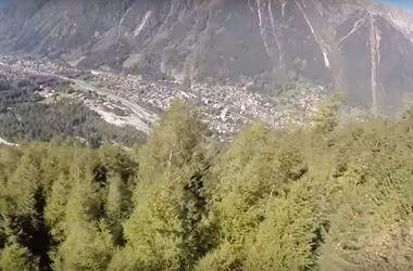 Видеохит: вингсьютер врезался в дерево на скорости 145 км/ч