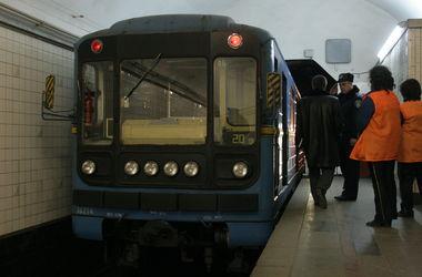 Подробности ЧП в киевском метро: под поезд попал футболист