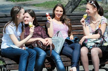Из городов Украины пропадает молодежь
