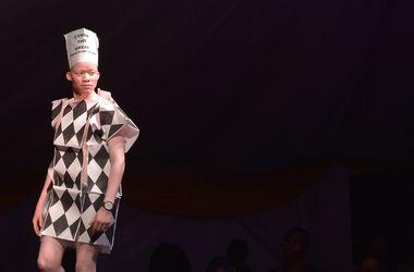 Совсем белый: в Кении прошел первый в мире конкурс красоты для альбиносов