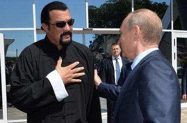 Аксенов пригласил Стивена Сигала в Крым
