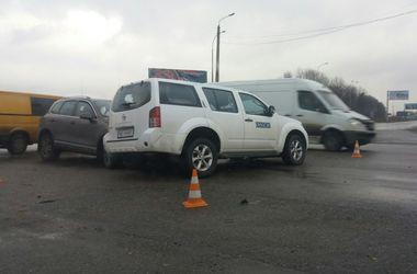 Авто ОБСЕ попало в ДТП в Харькове