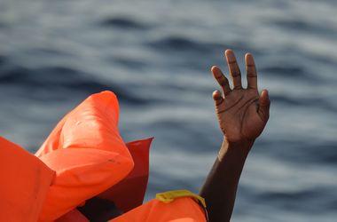 В Сицилийском проливе утонули свыше 100 мигрантов