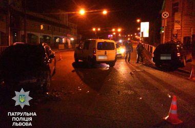 Пьяный водитель выехал прямо на место оформления ДТП. Фото: Патруьная полиция Львова/facebook.com/lvivpolice