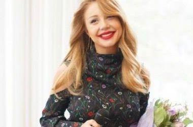 Тина Кароль в оригинальном полупрозрачном платье произвела фурор на балу в Киеве (фото)