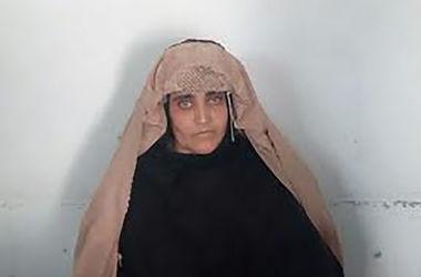 "Суд Пакистана не отпустит под залог ""афганскую девочку"" с обложки National Geographic"
