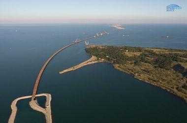 Строительство моста в Крыму: в России заявили о пройденном рубеже