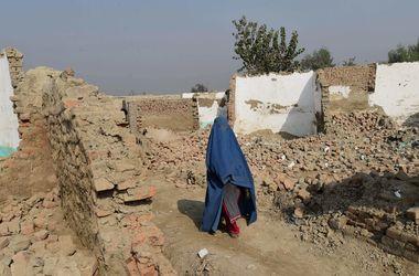 В Пакистане два брата отрезали сестре ноги ради чести
