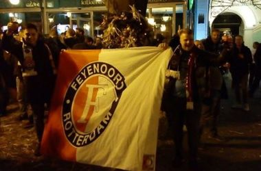 """Украинские фанаты напали на марш болельщиков """"Фейеноорда"""" в Одессе"""