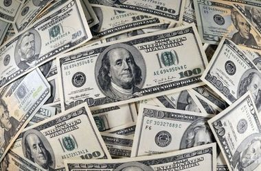 В Украине повысился курс доллара