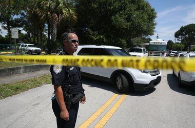 В США вооруженный мужчина напал на людей в университете