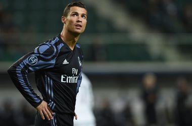 """Фигу: """"Возможно, теперь Роналду, а не Эйсебио - величайший футболист в истории Португалии"""""""