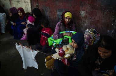 Террористы взяли в заложники более полутора тысяч мирных жителей иракского Мосула - ООН