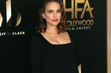 Hollywood Film Awards: Натали Портман показала округлившийся животик, а Кейт Хадсон удивила декольте