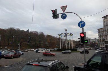 На Европейской площади в Киеве изменился режим работы светофоров