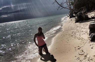Ольга Савчук в крохотном купальнике отдыхает в гамаке на Мальдивах (фото)