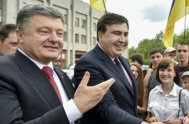 Порошенко прокомментировал отставку Саакашвили