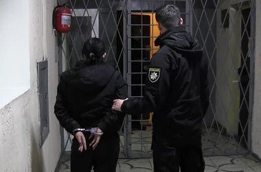 В Киеве разбойники ограбили, избили и порезали ножом женщину