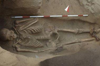В Италии археологи нашли могилу со скелетом в оковах