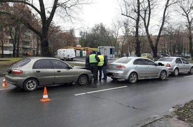 В Харькове произошло тройное ДТП