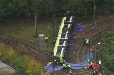 Число жертв из-за аварии трамвая в Лондоне возросло до семи