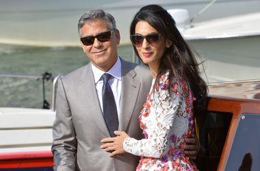 Жена запретила Джорджу Клуни выпивать с друзьями