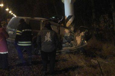Под Киевом в ночном ДТП погибло два человека