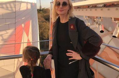 45-летняя Кристина Орбакайте переборщила с разрезом на платье (фото)
