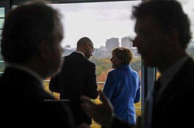 Яценюк отправился в Германию на встречу с Меркель