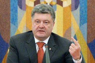 Пока российские войска находятся в Украине, санкции должны действовать – Порошенко
