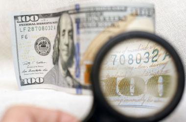 Курс доллара заметно подскочил, а евро ушел в пике