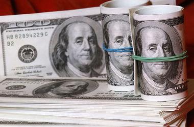 В Украине стремительно взлетает курс доллара