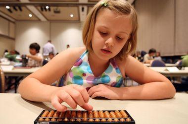 В Украине набирают популярность учебные центры для детей: в моду входит ментальный счет и умные игрушки