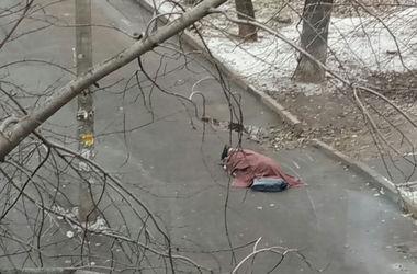 В Харькове мужчина умер посреди улицы