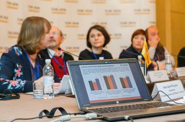 Две трети жителей Донецкой области получают гуманитарную помощь