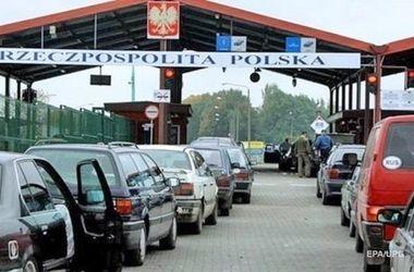 На украинско-польской границе в очередях стоят 1200 автомобилей