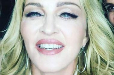 Мадонна спела в