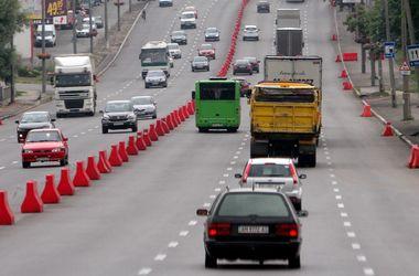 Платными в Украине могут стать только новые дороги - Омелян