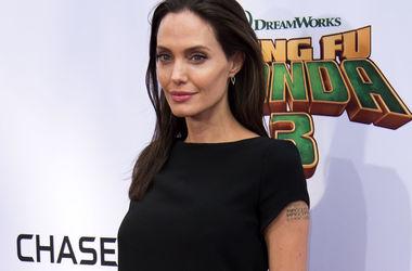 Анджелина Джоли не хочет, чтобы мама Брэда Питта общалась с внуками