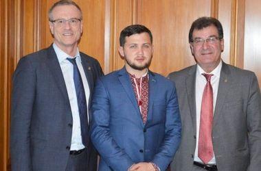 Бывший узник Кремля Афанасьев встретился с канадскими депутатами